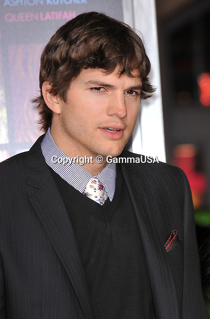 Ashton Kutcher _48   -<br /> Valentine&rsquo;s Day  Premiere at the Chinese Theatre In Los Angeles.