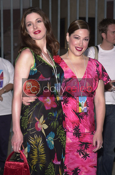 Wendy and Carnie Wilson