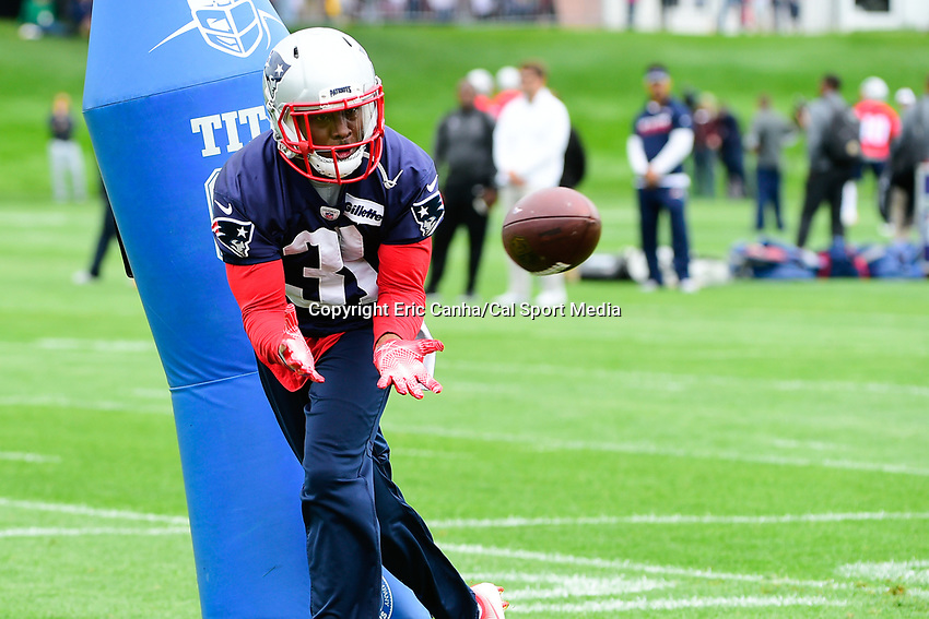 June 7, 2017: New England Patriots defensive back Jonathan Jones (31) catches the ball  at the New England Patriots mini camp held on the practice field at Gillette Stadium, in Foxborough, Massachusetts. Eric Canha/CSM