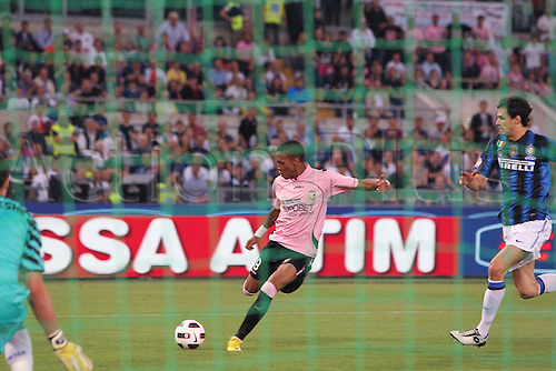 29.05.2011. Final Coppa Italia (Tim Cup) Stadio Olimpico, Rome, Italy.  Inter Milan versus Palermo. Hernandez takes a shot at goal