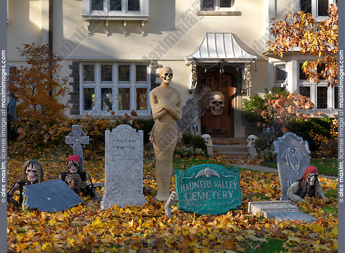 Hallowing decoration house front yard canada fashion commercial fine art stock photo archive - Halloween decorations toronto ...