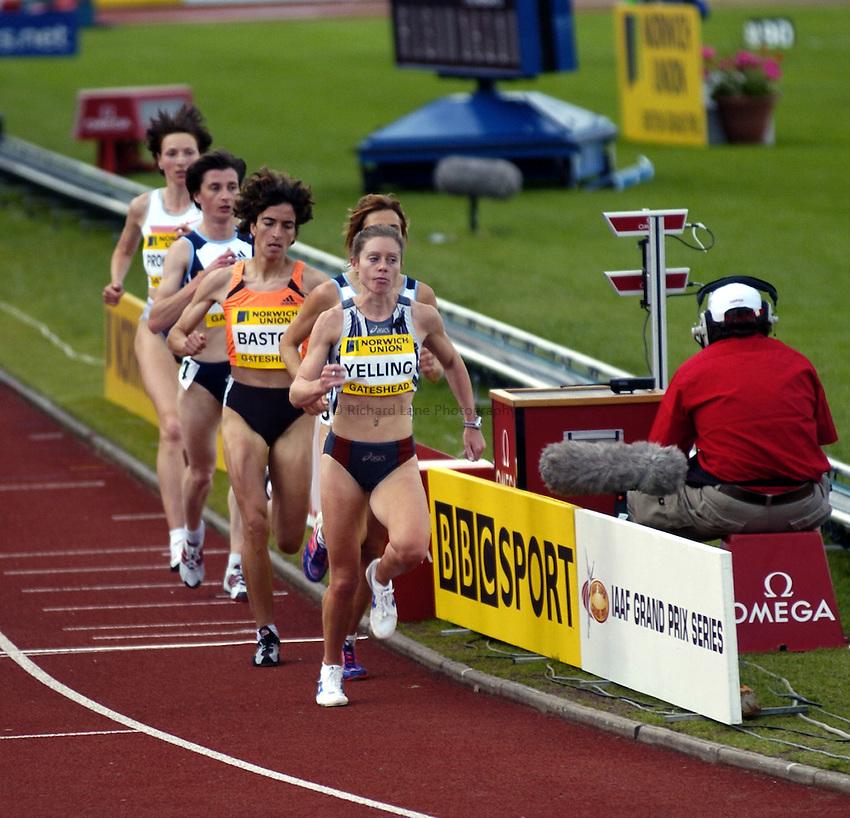Photo. Richard Lane..Norwich Union British Grand Prix at Gateshead International. 27/06/2004..Hayley Yelling during the womens 10,000m.