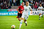 01.05.2019, RheinEnergie Stadion , Köln, GER, DFB Pokalfinale der Frauen, VfL Wolfsburg vs SC Freiburg, DFB REGULATIONS PROHIBIT ANY USE OF PHOTOGRAPHS AS IMAGE SEQUENCES AND/OR QUASI-VIDEO<br /> <br /> im Bild | picture shows:<br /> Ewa Pajor (VfL Wolfsburg #17) am Ball, <br /> <br /> Foto © nordphoto / Rauch