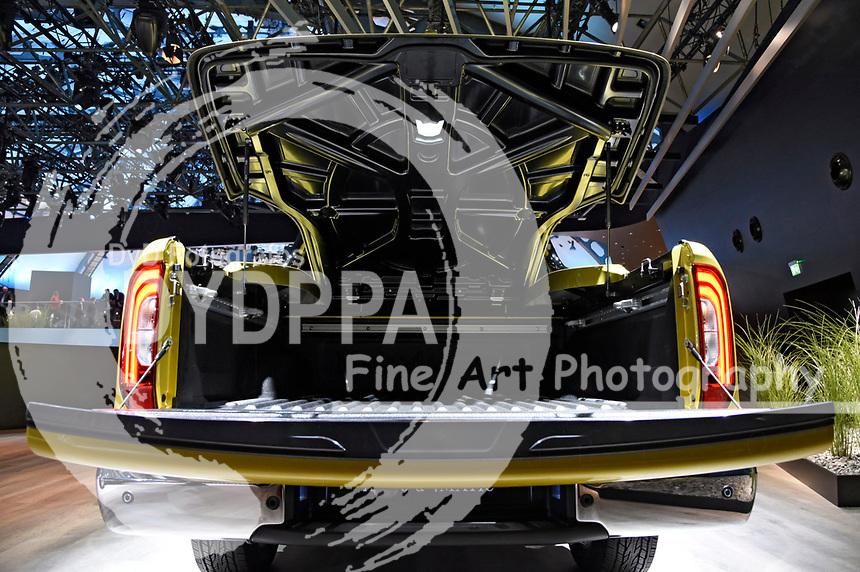 Mercedes X 250 d 4matic auf der Internationalen Automobil-Ausstellung 2017 auf dem Messegelände. Frankfurt am Main, 12.09.2017