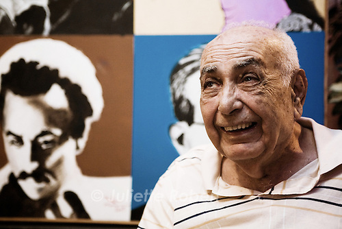 Munah Dabaghi, owner of the Horse Shoe in Hamra, in the 60ies. Since 1995, he's the owner of the City Cafe in Hamra.<br /> <br /> Munah Dabaghi, propri&eacute;taire du Horse Shoe &agrave; Hamra, dans les ann&eacute;es 60. En 1995, il ouvre le City Cafe, aussi &agrave; Hamra.
