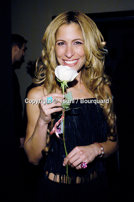 """Vanessa Parise posing at the party following the premiere of """"Kiss The Bride"""" at the Showcase Regent Theatre in Los Angeles. October 23, 2002.            -            PariseVanessa22.jpg"""