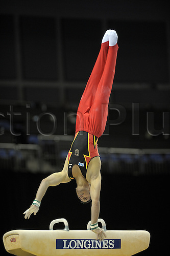 13.10.2009.World Gymnastics Champion ships at the O2 Arena London. Mens Qualifying Competition.Sebastian Krimmer of Germany in action.Photo: Alan Edwards/Actionplus. ..