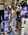USA's Tyson Chandler (r) and Argentina's Luis Scola during friendly match.July 22,2012. (ALTERPHOTOS/Acero)
