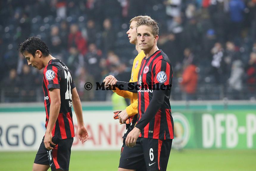 Makoto Hasebe, Felix Wiedwald, Bastian Oczipka (Eintracht) - Eintracht Frankfurt vs. Borussia Mönchengladbach, DFB-Pokal 2. Runde, Commerzbank Arena