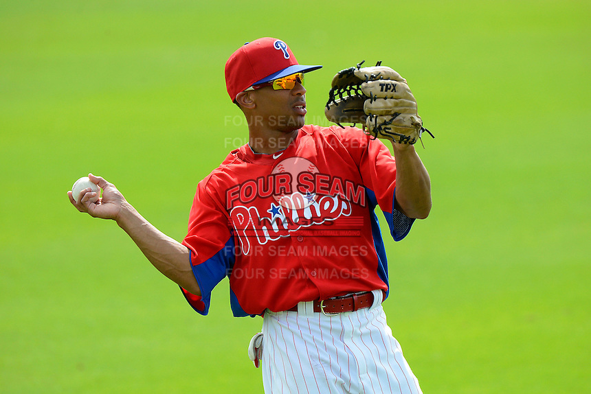 Philadelphia Phillies outfielder Ben Revere #2 warms up in the outfield during a Spring Training game against the New York Yankees at Bright House Field on February 26, 2013 in Clearwater, Florida.  Philadelphia defeated New York 4-3.  (Mike Janes/Four Seam Images)