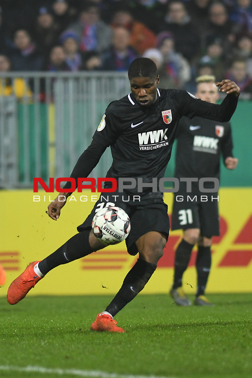 06.02.2019,  GER; DFB Pokal, Holstein Kiel vs FC Augsburg ,DFL REGULATIONS PROHIBIT ANY USE OF PHOTOGRAPHS AS IMAGE SEQUENCES AND/OR QUASI-VIDEO, im Bild Einzelaktion Hochformat  Kevin Danso (Augsburg #38)  Foto © nordphoto / Witke