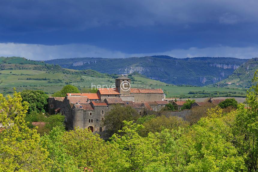 France, Aveyron (12), Saint-Jean-et-Saint-Paul, Saint-Jean d'Alcas, village fortifié // France, Aveyron, Saint Jean et Saint-Paul, Saint Jean d'Alcas