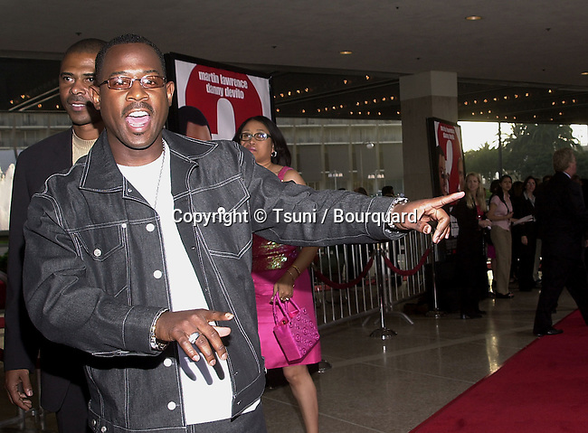 """Martin Lawrence posing  at the premiere of """"What's The Worst Could Happen"""" at the ABC Theatre in Century City in Los Angeles  5/22/2001  © Tsuni          -            LawrenceMartin01.jpg"""