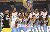 BARRANQUIILLA -COLOMBIA-26-04-2015. Jugadores de Deportes Tolima posan para una foto previo al partido con Uniautonoma por la fecha 17 de la Liga Aguila I 2015 jugado en el estadio Metropolitano de la ciudad de Barranquilla./ Players of Deportes Tolima pose to a photo prior the match against Uniautonoma for the 17th date of the Aguila League I 2015 played at Metropolitano stadium in Barranquilla city.  Photo: VizzorImage/Alfonso Cervantes/Cont