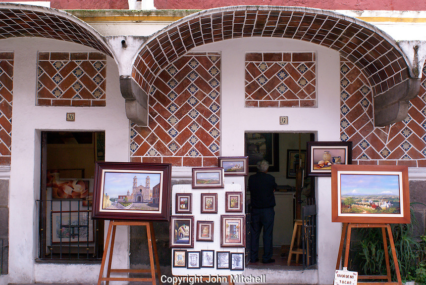 Artists' studios and paintings for sale in the Barrio del Artists  in the city of Puebla, Mexico