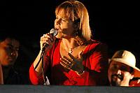 A senadora Ana Júlia Carepa, PT do Pará, faz comício pela sua candidatura à prefeitura de Belém  no bairro da Marambaia.<br />Belém, Pará, Brasil.<br />Foto Paulo Santos/Interfoto.<br />28/08/2004