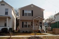 1995 March 01..Redevelopment.Huntersville 1&2 (R-70)..FRONT EXTERIOR.1532 DUNGEE STREET...NEG#.NRHA#..