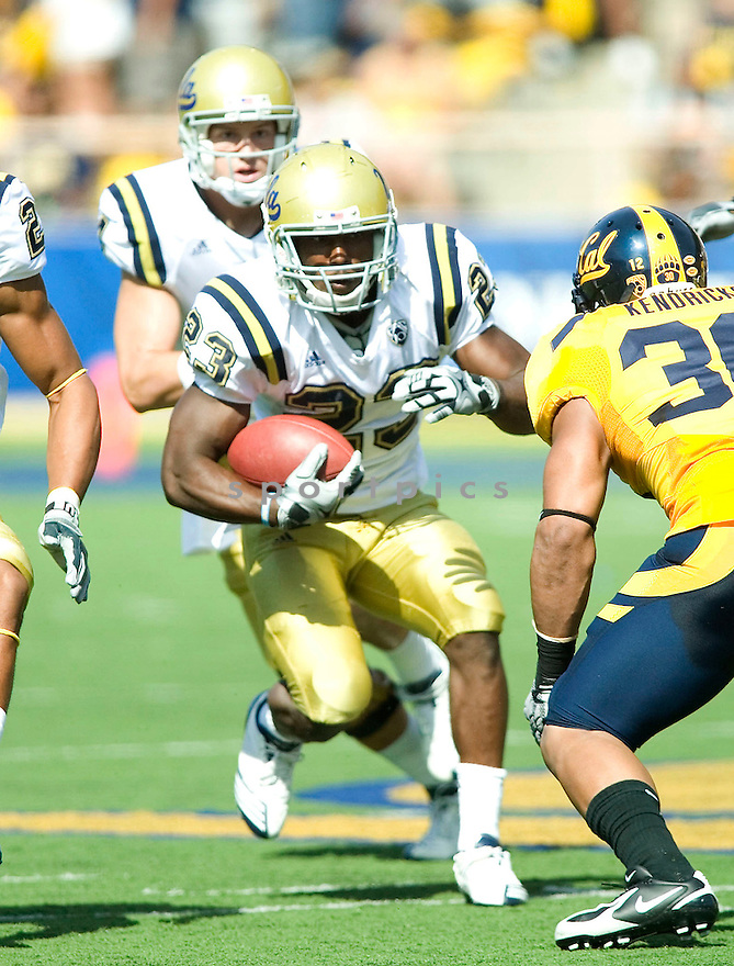 JOHNAHAN FRANKLIN, of the UCLA Bruins, in action during the Bruins game against the California Golden Bears at Memorial Stadium  on October 09, 2010  in Berkley, California...California  beats the UCLA 35-7