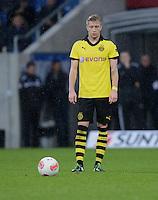 FUSSBALL   1. BUNDESLIGA   SAISON 2012/2013   17. SPIELTAG   TSG 1899 Hoffenheim - Borussia Dortmund      16.12.2012           Marco Reus (Borussia Dortmund) konzentriert sich auf den Freistoss