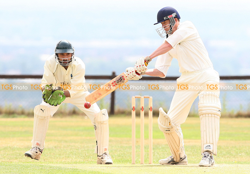 - Havering atte Bower Cricket Club vs Rayleigh Fairview Cricket Club at Havering atte Bower - 04/07/09 - MANDATORY CREDIT: Rob Newell/TGSPHOTO - Self billing applies where appropriate - 0845 094 6026 - contact@tgsphoto.co.uk - NO UNPAID USE.
