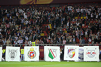 BUKARESZT 09.05.2012.MECZ FINAL LIGA EUROPY SEZON 2011/12: ATLETICO MADRYT - ATHLETIC BILBAO --- UEFA EUROPA LEAGUE FINAL 2012 IN BUCHAREST: CLUB ATLETICO DE MADRID - ATHLETIC CLUB DE BILBAO.WSTEP DO MECZU  TABLICE Z HERBAMI KLUBOW TEJ EDYCJI ROZGRYWEK.FOT. PIOTR KUCZA.---.Newspix.pl