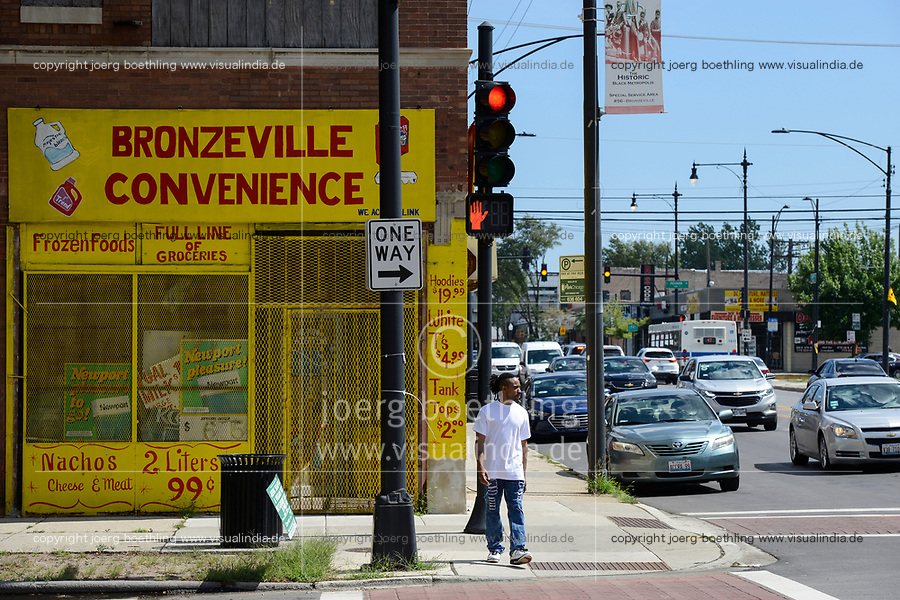 USA Chicago, south side of Chicago, Bronzeville, afroamerican quarter with violence and criminal youth gangs / afroamerikanisches Problemviertel mit Jugendgangs und hoher Kriminalitaet