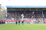 Der Anhang von St. Pauli vor dem Spiel  beim Spiel in der 2. Bundesliga, SV Sandhausen - FC St. Pauli.<br /> <br /> Foto © PIX-Sportfotos *** Foto ist honorarpflichtig! *** Auf Anfrage in hoeherer Qualitaet/Aufloesung. Belegexemplar erbeten. Veroeffentlichung ausschliesslich fuer journalistisch-publizistische Zwecke. For editorial use only. For editorial use only. DFL regulations prohibit any use of photographs as image sequences and/or quasi-video.