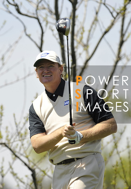 JEJU, SOUTH KOREA - APRIL 25:  Ernie Els of South Africa tees off on the 12th hole during the Round Three of the Ballantine's Championship at Pinx Golf Club on April 25, 2010 in Jeju, South Korea. Photo by Victor Fraile / The Power of Sport Images