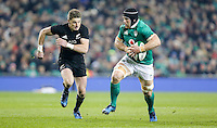 19th November 2016 | IRELAND vs NEW ZEALAND<br /> <br /> Sean O&rsquo;Brien is chased by Beauden Barrett during the Autumn Series International clash between Ireland and New Zealand at the Aviva Stadium, Lansdowne Road, Dublin,  Ireland. Photo by John Dickson/DICKSONDIGITAL