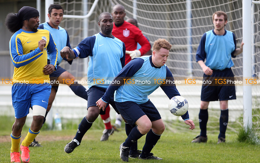 - Hatch Lane vs Stoke Newington, East London Sunday League Jubilee Cup Final at Wadham Lodge Sports Ground, Walthamstow - 13/05/12 - MANDATORY CREDIT: Rob Newell/TGSPHOTO - Self billing applies where appropriate - 0845 094 6026 - contact@tgsphoto.co.uk - NO UNPAID USE..