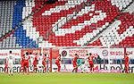23.05.2020, Allianz Arena, München, GER, 1.FBL, FC Bayern München vs Eintracht Frankfurt 23.05.2020 , <br /><br />Nur für journalistische Zwecke!<br /><br />Gemäß den Vorgaben der DFL Deutsche Fußball Liga ist es untersagt, in dem Stadion und/oder vom Spiel angefertigte Fotoaufnahmen in Form von Sequenzbildern und/oder videoähnlichen Fotostrecken zu verwerten bzw. verwerten zu lassen. <br /><br />Only for editorial use! <br /><br />DFL regulations prohibit any use of photographs as image sequences and/or quasi-video..<br />im Bild<br />Martin Hinteregger (Frankfurt) erzielt das Tor zum 3:2 <br /> Foto: Peter Schatz/Pool/Bratic/nordphoto