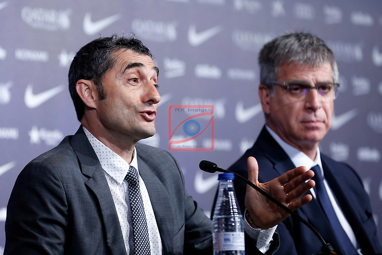 Presentation of Ernesto Valverde as new Coach of FC Barcelona.<br /> Jordi Mestre &amp; Ernesto Valverde.