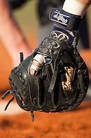 BASEBALL - EUROPEAN CUP 2009 - NETTUNO (ITA) - 04/04/2009 - .PHOTO : CHRISTOPHE ELISE / 42 SPORTS IMAGES.ROUEN BASEBALL '76 / DANESI CAFFE' NETTUNO - GLOVE, ILLUSTRATION