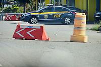ATIBAIA,SP - 27.03.2016 - ACIDENTE-SP - Vista da bade da Polícia Rodoviária Federal, na Rodovia Fernão Dias, km 48 em Atibaia, interior do estado de São Paulo, na tarde deste domingo,27. Em instantes será divulgado os índices de acidentes nas rodovias federais de todo país, nesse feriado da Pascoa. (Foto: Eduardo Carmim/Brazil Photo Press)