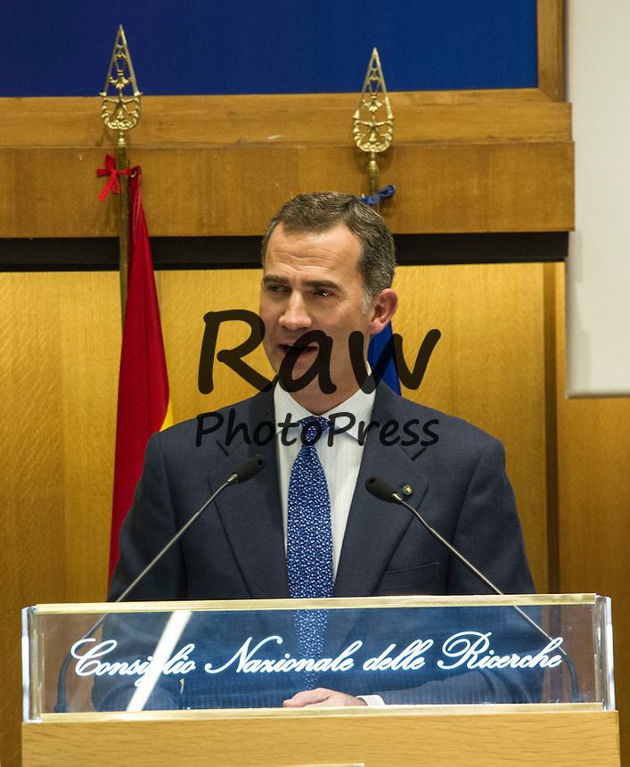 El Rey Don Felipe y el Rey Don Juan Carlos han participado en el d&eacute;cimo aniversario del COTEC en Roma.<br /> <br /> Roma,  X Symposium Cotec.