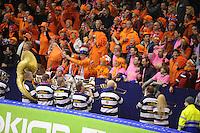 SCHAATSEN: HEERENVEEN: IJsstadion Thialf, 11-01-2013, Seizoen 2012-2013, Essent ISU EK allround, schaatssupporters, dweilorkest De Glasblazers, ©foto Martin de Jong