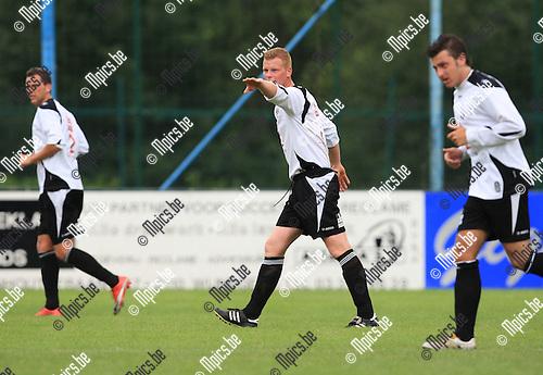 2010-07-25 / Voetbal / seizoen 2010-2011 / Vlimmeren Sport / Bart Van Dooren..Foto: mpics