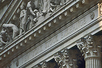 New York, Wall Street, front of Stock Exchange....New York, Wall Street , facciata dello Stock Exchange