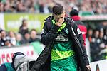 10.02.2019, Weser Stadion, Bremen, GER, 1.FBL, Werder Bremen vs FC Augsburg, <br /> <br /> DFL REGULATIONS PROHIBIT ANY USE OF PHOTOGRAPHS AS IMAGE SEQUENCES AND/OR QUASI-VIDEO.<br /> <br />  im Bild<br /> <br /> Milot Rashica (Werder Bremen #11)<br /> Verletzung / verletzt / Schmerzen<br /> <br /> Auswechslung<br /> <br /> Foto © nordphoto / Kokenge