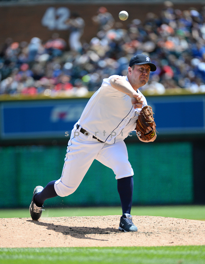 Detroit Tigers Jordan Zimmermann (27) during a game against the Toronto Blue Jays on June 8, 2016 at Comerica Park in Detroit MI. The Blue Jays beat the Tigers 7-2.