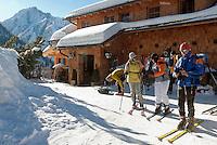 Austria, East-Tyrol, Lienz: popular Mountain Inn Lienz Dolomites hut (1.616 m) at Lienz Dolomites | Oesterreich, Ost-Tirol, Lienz: Lienzer Dolomitenhuette (1.616 m), beliebte Jausenstation in den Lienzer Dolomiten
