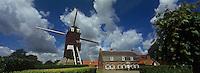 Europe/France/Nord-Pas-de-Calais/59/Nord/ Boeschepe: Estaminet : De Vierpot   sous les pales du moulin de l'Ondankmeulen