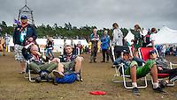 Taking the opportunity to rest before it start raining. Photo: Christoffer Munkestam/Scouterna