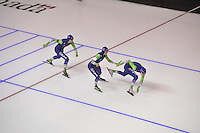 SPEEDSKATING: CALGARY: 14-11-2015, Olympic Oval, ISU World Cup, Ladies Team Sprint, Margot Boer, Janine Smit, Bo van der Werff, Team NED, ©foto Martin de Jong