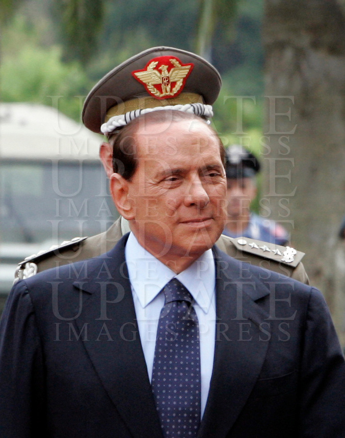 Il Presidente del Consiglio Silvio Berlusconi visita il Centro Operativo Interforze (COI), a Roma, 4 settembre 2009..Italian Premier Silvio Berlusconi arrives to visit the Military Central Operation Command (COI) in Rome, 4 september 2009..UPDATE IMAGES PRESS/Riccardo De Luca