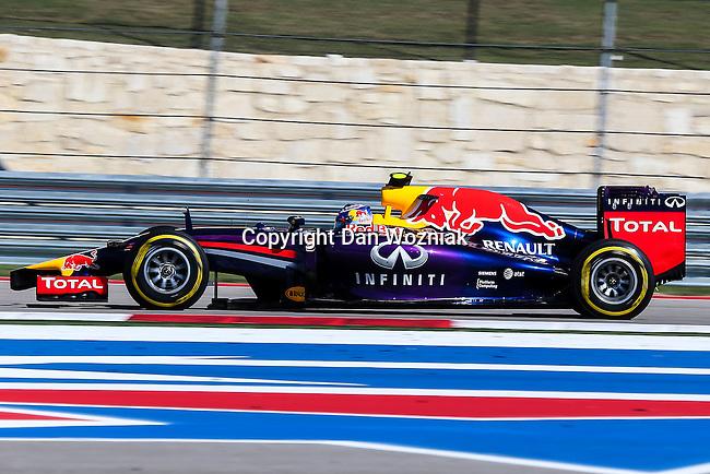 DANIEL RICCIARDO (03) driver of the Infiniti Red Bull Racing Renault car in action during the qualifying session before the Formula 1 United States Grand Prix race at the Circuit of the Americas race track in Austin,Texas.