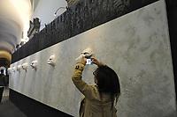 - Milan, during the annual fair of furniture and design in the whole city happen many exibitions and collateral initiatives organized by companies and artists of the sector; art installations in the Brera Gallery and Accademy palace<br /> <br /> - Milano, durante la fiera del mobile e del design in tutta la citt&agrave;  si svolgono una serie di mostre ed iniziative collaterali organizzate da aziende ed artisti del settore; installazioni artistiche nel palazzo della Pinacoteca e Accademia di Brera