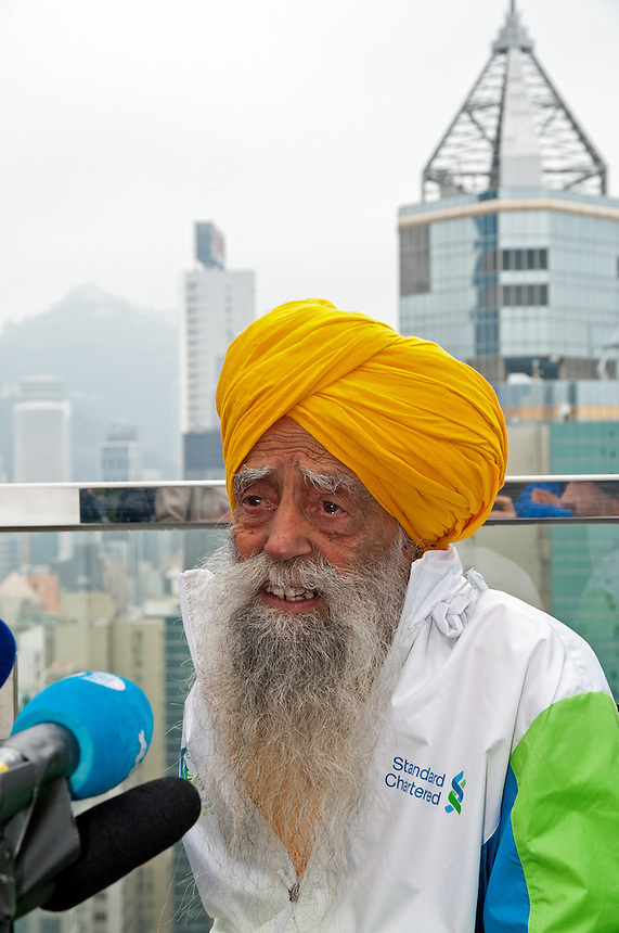 Fauja Singh, British Citizen and the oldest Marathon runner in the world at 101.Press Conference..Mr Singh is going to retire following the Hong Kong Marathon on Sunday 24th Feb 2013..Pic Jayne Russell +852 97578607..Date-21.02 2013.21st February 2013.FEE applies- Min £150/ £200 more than one image of set