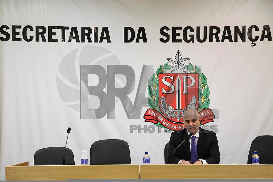 SAO PAULO, SP, 24.04.2015 - ALEXANDRE DE MOARES - COLETIVA SECRETARIO DE SEGURANÇA PUBLICA SOBRE INDICES DE CRIMINALIDADE MARÇO - O Ssecretário de segurança publica Alexandre de Moraes, apresentou nesta sexta-feira (24), na sede da Secretaria de Segurança, os indices de criminalidade referentes ao mes de Março. Destaque para o índice de latrocínio, que caiu 19,44% no primeiro trimestre, na capital paulista.  (Foto: Douglas Pingituro / Brazil Photo Press)