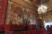 La decoration est l'oeuvre de Charles ERRARD et les peinture de Noel COYPE